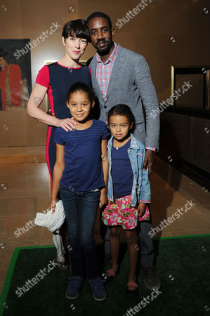 'Justin and the Knights of Valour' Uk Premiere at the Mayfair Hotel Olivia Williams with Her Husband Rhashan Stone with Their Daughter Roxana and Esme