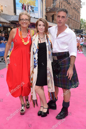 'Walking On Sunshine' World Premiere at the Vue Leicester Square Emma Thompson with Her Husband Greg Wise Their Daughter Gaia Romilly Wise