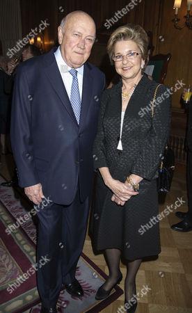 4th Fortune Forum Summit Dinner at the Dorchester Hotel Mayfair F W De Klerk with His Wife Elita Georgiades