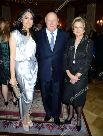 4th Fortune Forum Summit Dinner at the Dorchester Hotel Mayfair Renu Mehta with F W De Klerk with His Wife Elita Georgiades
