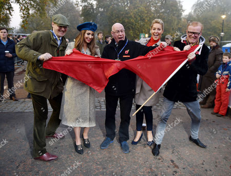 Bonham's London to Brighton Veteran Car Run Start Line at Hyde Park Corner Tearing Up the Red Flag to Start the Event - Bonham's Chairman Robert Brooks Alex Jones Ken Bruce Natalie Lowe and Chris Evans