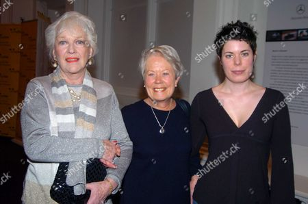 Charity Drinks Party and Photographic Exhibition in Aid of the Dogs Trust at the Royal Academy's Art Space Burlington Gardens Katy Boyle (lady Saunders) with Annette Crosbie and Her Daughter Selina Griffiths