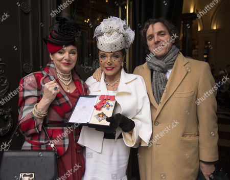 Dame Joan Collins with Her Husband Percy Gibson and Daughter Tara Newley and Son Sasha Newly Arrive For A Celebration Lunch A the Wolseley in Piccadilly Mayfair After She Received Her Dame Hood at Buckingham Palace