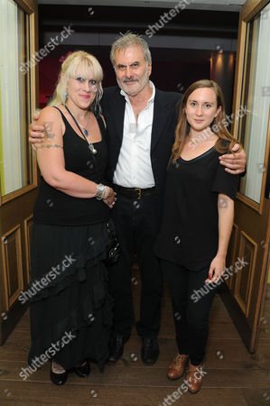 Daytona First Night at the Theatre Royal Haymarket Oliver Cotton with His Daughters Abigail and Sophie