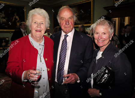 19 05 2015 A Celebration of the Life of Sir Donald Sinden at Wyndham's Theatre Charing Cross Road London Stephine Cole and Geoffrey Palmer with His Wife