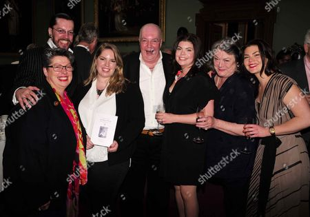 19 05 2015 A Celebration of the Life of Sir Donald Sinden at Wyndham's Theatre Charing Cross Road London Marc Sinden (c) with His Children Hal Sinden Bridie Sinden and Jeremy Sinden's Children Kezia Sinden & Harriet Sinden with Jo Gilbert (l) and Delia Lindsay (2r)