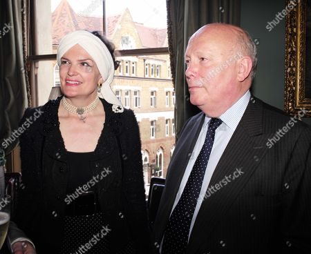19 05 2015 A Celebration of the Life of Sir Donald Sinden at Wyndham's Theatre Charing Cross Road London Then Tea and Sandwiches with Champagne at the Garrick Club Lady Emma and Lord Julian Fellowes