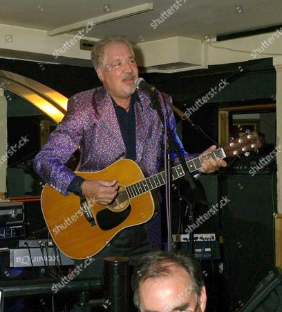 an Evening with Barry Mason & Friends at the Dover Street Restaurant & Bar in Aid of the Variety Club Peter Sarstedt