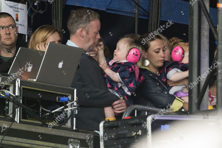 Glastonbury Festival 2014 - Friday Sam Cooper Looks After His Children On the Side of the Stage While Lily Allen Performs