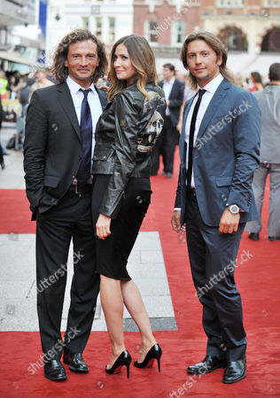 Outside Arrivals For the Uk Premiere For 'The Expendables' at the Odeon Leicester Square Manuele Malenotti Lisa Snowdon and Michele Malenotti (belstaff)