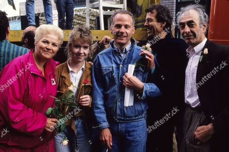 'Save the Rose Theatre' Campaign and Protest On Site Bankside Southwark Pam St Clement Sally Tully Michael Cashman Leslie Grantham and Leonard Fenton