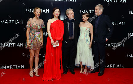 'The Martian' European Premiere at Odeon Leicester Square Kristen Wiig Chen Shu Director Ridley Scott Kate Mara and Jeff Daniels