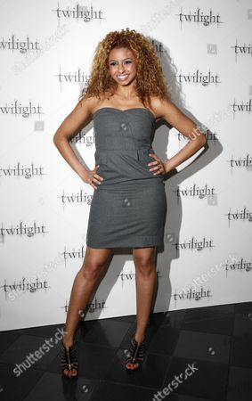 Stock Photo of Uk Premiere of 'Twilight' at the Vue Leicester Square Britannia High - Rana Roy