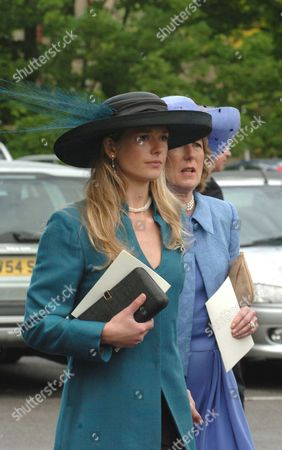 The Wedding of Hugh Van Cutsem Junior to Rose Astor at Burford Parish Church Burford Uk Davina Duckworth-chad & Family