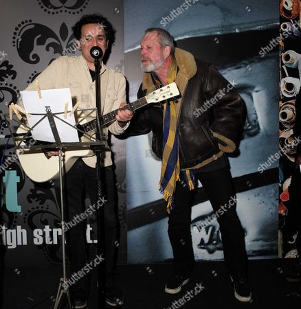 23 11 15 Terry Gilliam Turns On the Christmas Light in Berwick Street Market Soho Terry Gilliam with Local Singer Song Writer Tim Arnold Sing Always Look On the Bright Side of Life