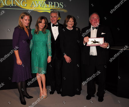 10 11 15 Cartier Racing Awards at the Dorchester Hotel Anthony Oppenheimer with His Wife Antoinette Oppenheimer with Their Daughters Emily Oppenheimer and Sophie Oppenheimer with Arnaud Bamberger (c)