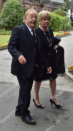 20 08 15 Cilla Black's Funeral at St Mary's Church Woolton Liverpool Scenes After the Service Gerry Marsden
