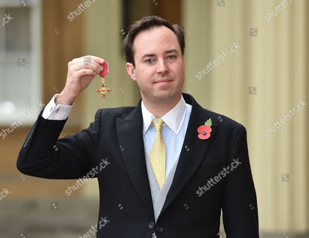 10 11 15 Investiture at Buckingham Palace at Buckingham Palace Nma Rota For the Daily Mail the Most Excellent Order of the British Empire Civil Division to Mr James Murray Wells From Tetbury For Services to Business