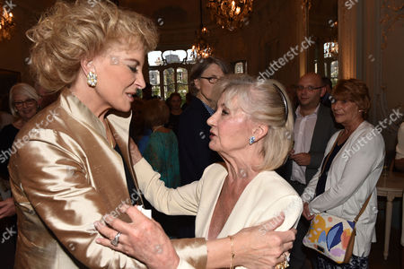 16 07 15 Launch of Robert Lacey's New Book Model Woman: Eileen Ford and the Business of Beauty at the Savile Club Brook Street Mayfair London Princess Michael of Kent & Lady Jane Rayne Lacey