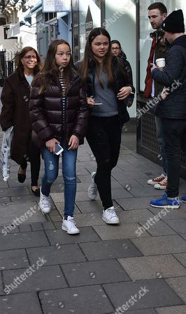 04 03 16 Murdoch Wedding Weekend Rupert Murdoch's Daughters Grace Helen Murdoch Chloe Murdoch Shopping in Dover Street