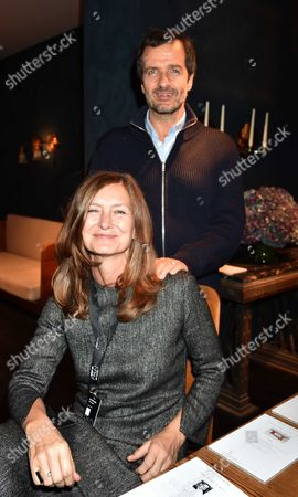 12 10 15 Pad London at Berkeley Square Private View David Heyman with His Wife Rose Uniacke ( She Won Best Stand in Show)