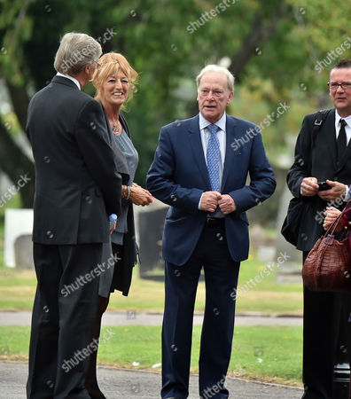 13 08 15 the Funeral of George Cole at Reading Crematorium Denis Waterman and His Wife Arrive