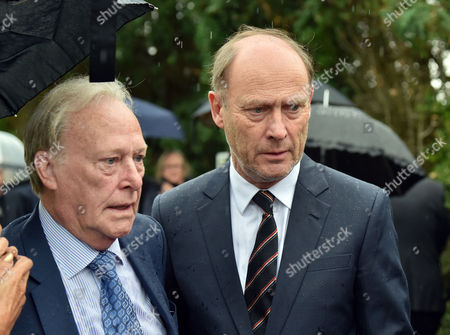 Stock Photo of 13 08 15 the Funeral of George Cole at Reading Crematorium Dennis Waterman and Patrick Malahide Who Played Ds Albert Chisholm in Minder