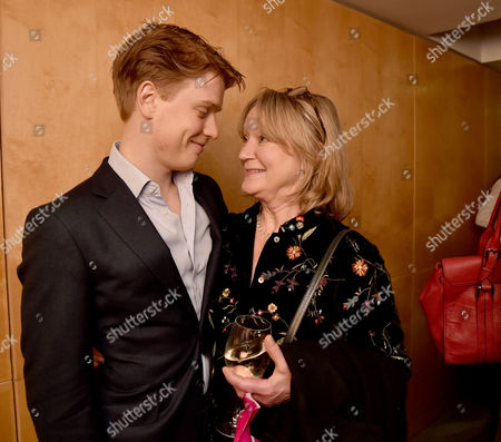 08 12 15 the Josephine Hart Poetry Hour at the British Library Freddie Fox with His Mother Joanna David