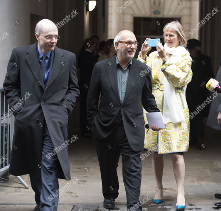 05 03 16 the Wedding Blessing of Rupert Murdoch and Jerry Hall at St Brides Church Fleet Street City of London Alain De Botton with Alan Yentob with His Wife Phillipa Walker