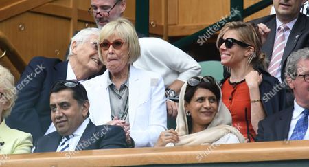 05 07 16 05 07 16 Wimbledon Day 8 at All England Lawn Tennis Club Center Court Sienna Miller with Sir Michael and Lady Mary Parkinson