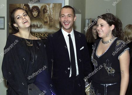 World Premiere of 'Lord of the Rings: the Fellowship of the Ring' at the Odeon Leicester Square and Afterparty at Tobacco Dock Wapping Dan Mcmillan with His Sisters Rebecca and Louise