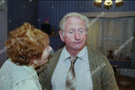 Doreen Keogh as Mary Carroll with Peter Martin as Joe Carroll