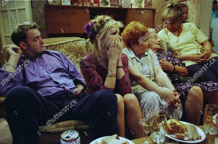 Stock Photo of Craig Cash as Dave Best, Caroline Aherne as Denise Best (née Royle), Doreen Keogh as Mary Carroll, Liz Smith as Norma Speakman (Nana) and Sue Johnston as Barbara Royle