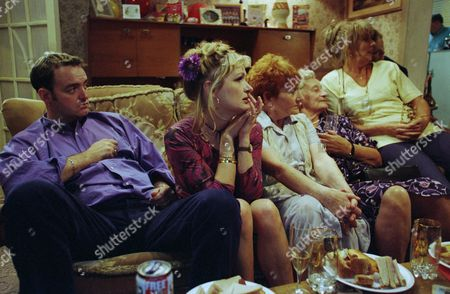 Editorial photo of 'The Royle Family' TV Series - 1999