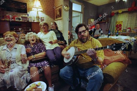 Editorial picture of 'The Royle Family' TV Series - 1999