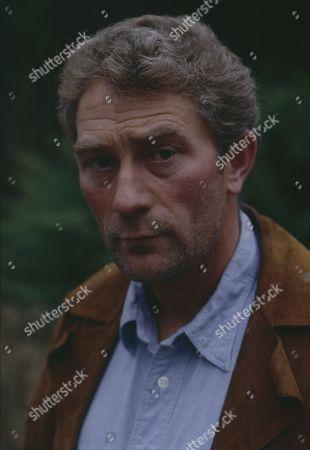 Dennis Blanch (as Jim Latimer) during Sarah's abduction (Episode 1616 - 10th December 1991)