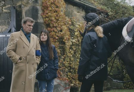 Paul Darrow (as Patrick), Leah Bracknell (as Zoe Tate) and Claire King (as Kim Tate) (Episode 1620 - 24th December 1991)