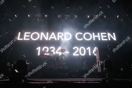 Tribute to Leonard Cohen before Placebo's performance