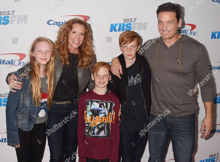 Robyn Lively, Bart Johnson and children