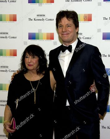 Violinist Joshua Bell and his mother, Shirley