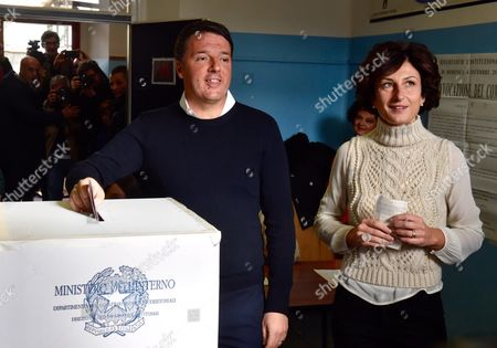 Matteo Renzi with wife Agnese Landini