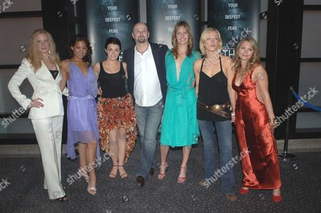 TheÊpremiere of ' the Descent ' at the Vue Cinema Leicester Square London Shauna Macdonald Natalie Mendoza Nora Jane Noone the Director Neil Marshall Saskia Mulder Alex Reid and Myanne Buring