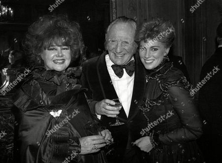 1982 Evening Standard Film Awards Lady Patricia Rothermere with Trevor Howard and Lynne Frederick