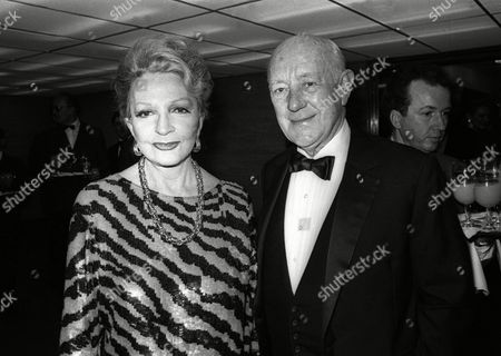 Stock Image of 1986 Evening Standard Film Awards at the Savoy Hotel Coral Browne with Sir Alec Guinness