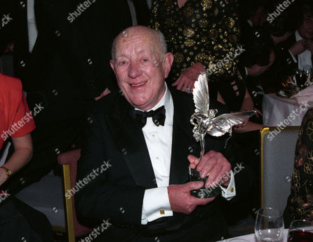Evening Standard Film Awards at the Savoy Sir Alec Guinness with His Special Award