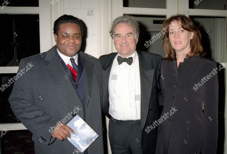 1997 Olivier (swet) Theatre Awards at the Grosvenor House Hotel Clive Rowe (best Supporting Performance in A Musical' Guys and Dolls') with Sir Richard Eyre and His Wife Sue Birtwistle