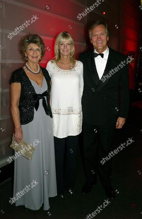 Cartier Party at the Natural History Museum to Celebrate the Opening of Their New Shop in Bond Street Pandora Delevigne with Her Mother Lady Janie Stevens and Charles Delevigne