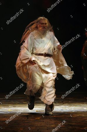 Lord of the Rings Curtain Call and Back Stage at the Theatre Royal Drury Lane Theatre London Malcolm Storry