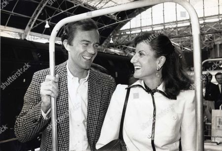 Michael Huffington and Arianna Stassinopoulos at Victoria Station Before Boarding the Orient Express For Their Honeymoon at the Cipriani Hotel in Venice