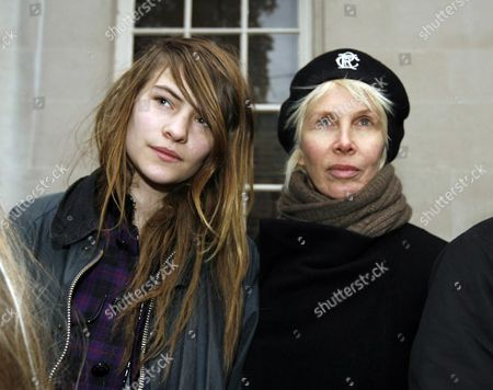 Stock Picture of Protesters Outside the High Commission For Pakistan Lownes Square Knightsbridge Calling For the Release of Imran Khan and End of Marshall Law and State of Emergency Declared by President Musharraf Trudie Styler with Her Daughter Eliot Paulina ( Coco)